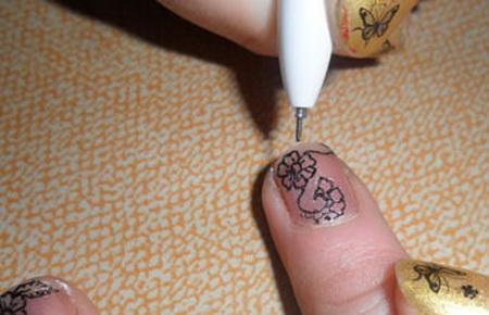 Фото рисунки на ногтях гелевой ручкой